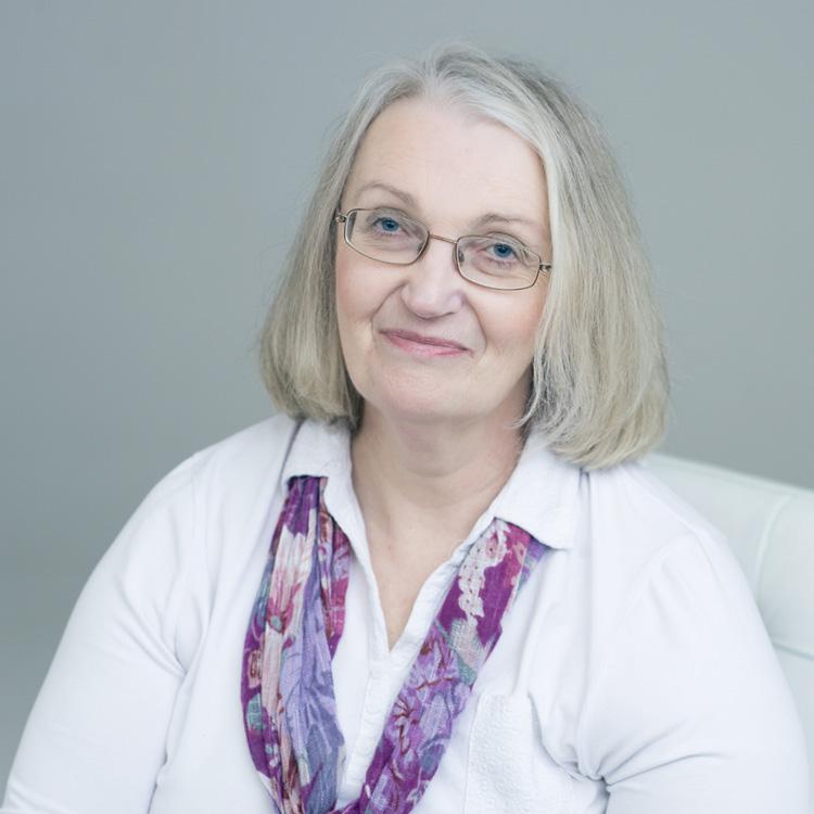 Pauline Lowes